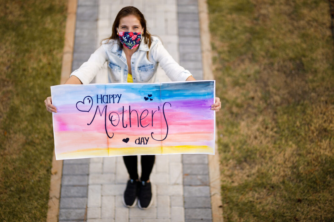 Mother's Day Gifts that will Make your Mother Smile Instantly
