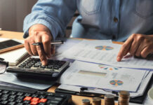Top 5 Reasons To Hire An Outsourced Bookkeeper For Your Small Businesses In Australia?