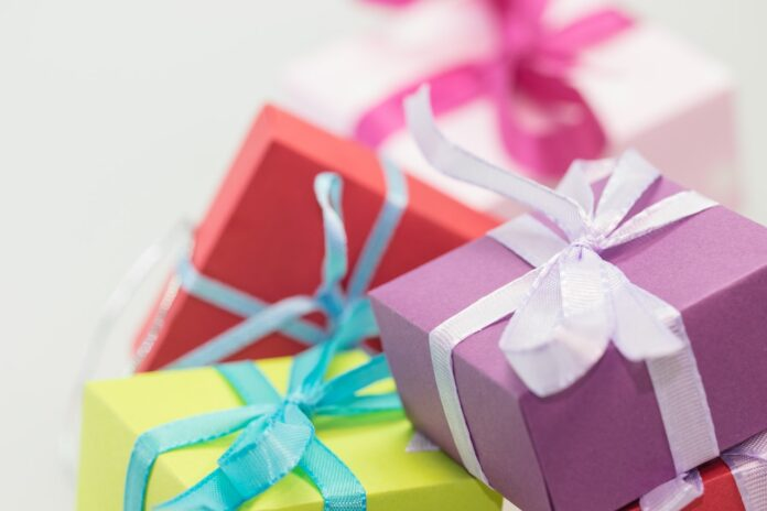 gifts for Pakistan