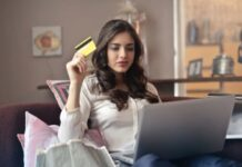 Top tips to stay safe while shopping on online shopping sites